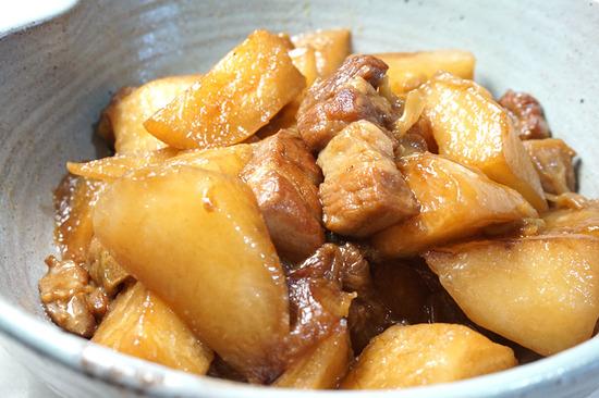 大根と豚バラ肉の煮込み01