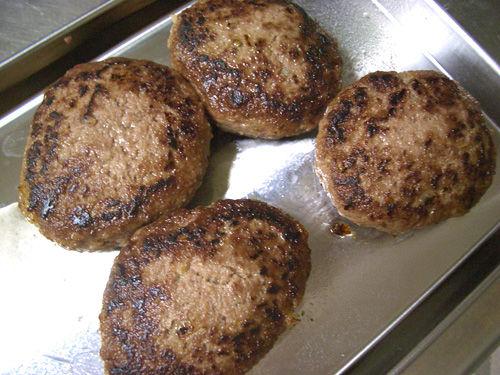 キノコの煮込みハンバーグ11