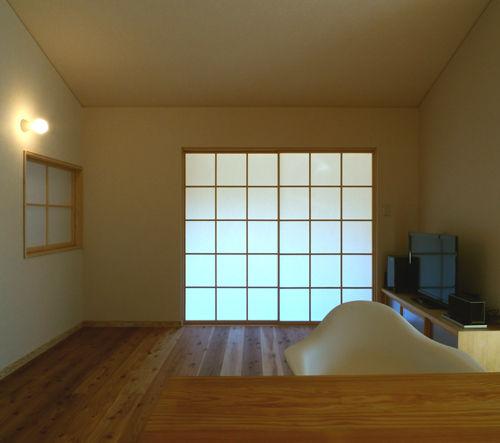 日本の伝統、障子をもっともっと使うと幸せになるような気がする。
