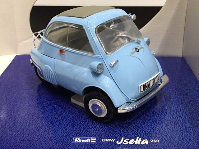 Fairlady Z Fan 嫁さんが久々にゲット!1 18 Revell Bmw Isetta 250