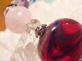 トンボ玉の中に水晶ビーズを・・・^^;