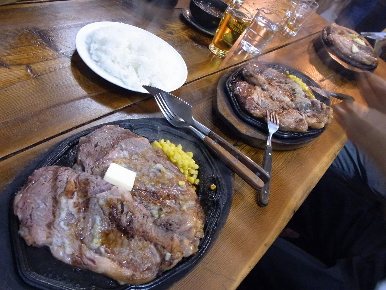 曙がステーキ店をオープン 640グラムの曙ステーキ(4800円)が看板メニュー