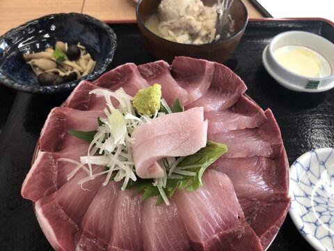 【飯テロ】寒ぶり丼定食!漁師汁付 3080円がこちらwww