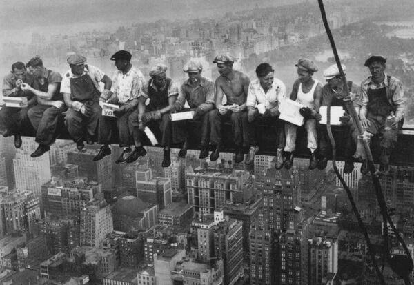 エンパイアステートビル建設中に5人に2人は落下して死亡か重傷を負った ←なんで仕事選ばなかったの