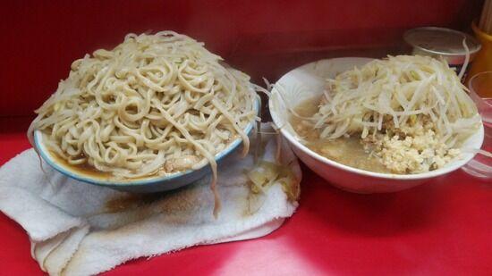 【画像】ラーメン二郎三田本店で麺増しを頼んだ結果wwwwwwww
