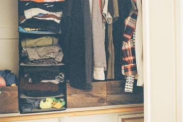 closet-2627852_1280
