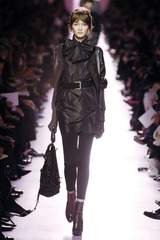 060717ファッション用語 レギンス イヴサンローラン