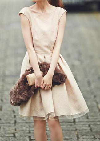 アプワイザーリッシェの美人百花 2015年10月号掲載のラメジャガードフレアワンピース