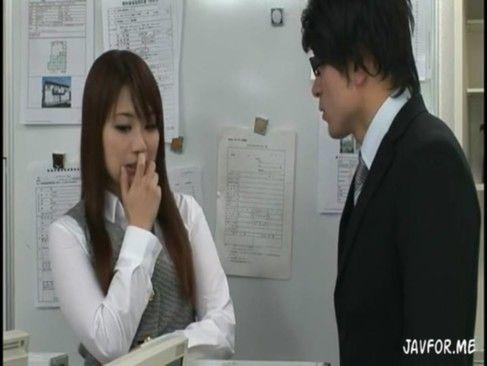 愛花沙也 不動産会社に入社した新人OLは内覧中にお客から中出しされちゃう【XVIDEOS】