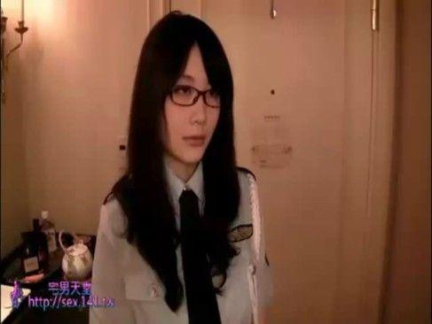 彼女のハンパない爆乳と清楚なメガネ顔に掲示板では、ものすごいウワサ【XVIDEOS】