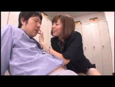 麻美ゆまが女社長になって男を責めまくる
