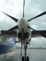 プロペラ機で名古屋へ