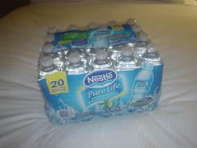 水を買ってきた(^^☆