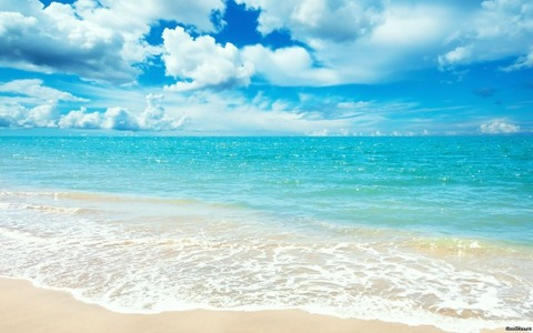 Beautiful-Beach-Shore-and-Waterscape-600x375
