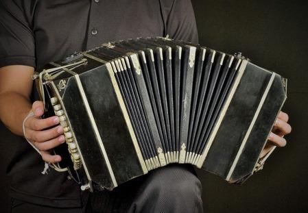 Buenos_Aires_-_Bandoneon_tango_player_-_7435