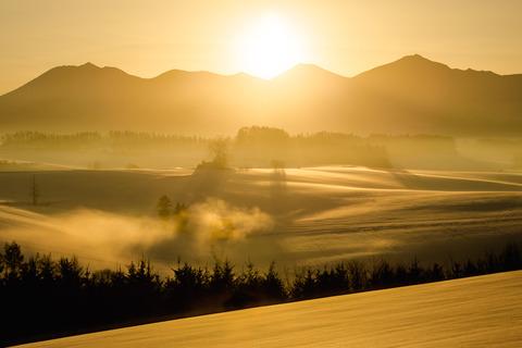 新栄冬の朝