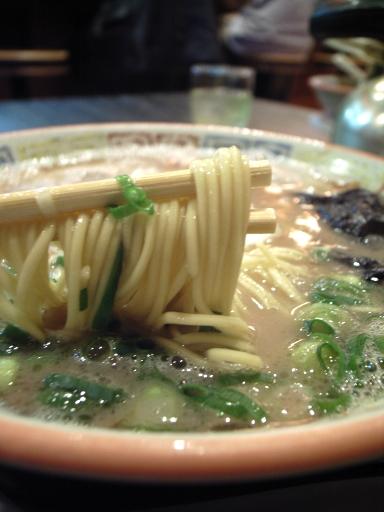 071226大砲昔ラーメン麺.jpg
