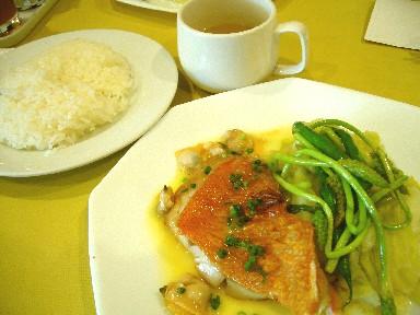 060530サカキ魚ランチ.jpg