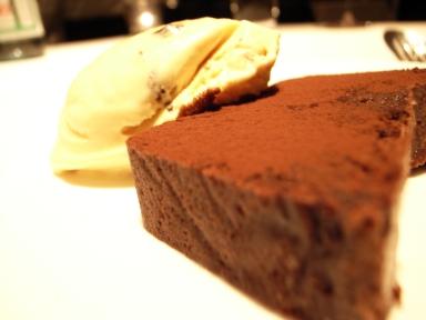 070511タワシタチョコテリーヌ&ラムレーズンアイス