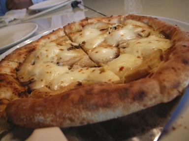 070502エンボカ筍のピザ.jpg