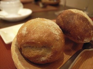 070204ルゴロワそば粉のパン