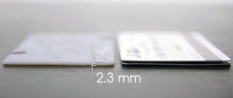 薄さ2.3ミリ!角度も自由自在!iPhoneスタンド「Pocket Tripod」がすごい!