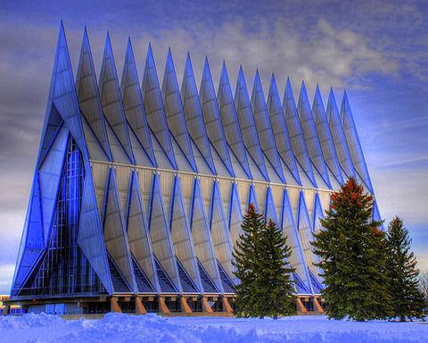 建物がかっこいい大学を発表する