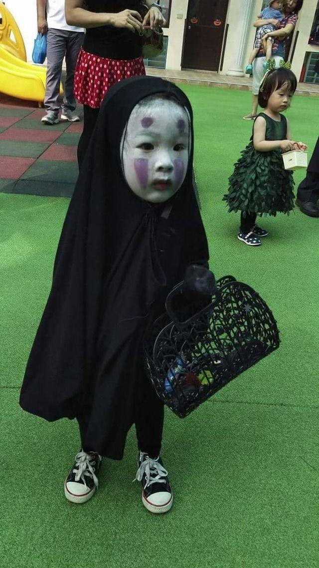 【画像】彡(゚)(゚)「ハロウィンやし子どもに怖い格好させたろ」→