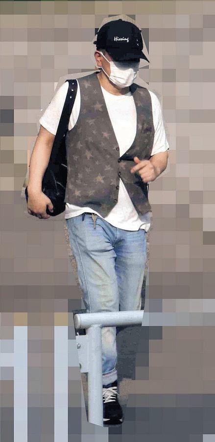 【画像】一般人の宮迫博之さん(49)、近影を撮られるも私服がダサすぎる