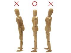 反り腰や前傾姿勢になってしまう原因!