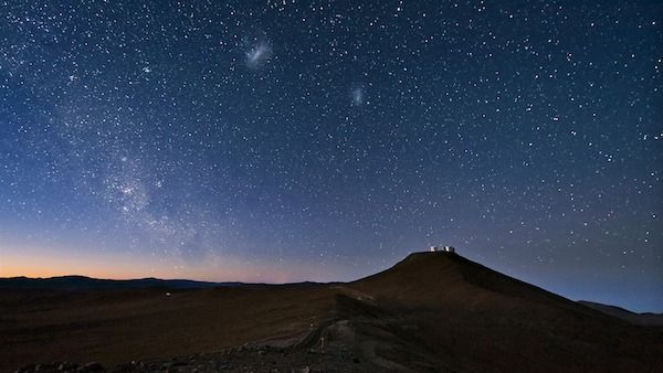 night_desert_mountain-Scenery_HD_Wallpaper_1920x1080