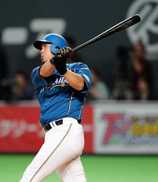 中田翔さん、今季第1号を弾丸ライナーでスタンドに叩き込む