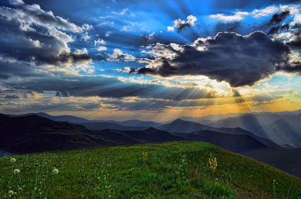 mountains-3048299_1280