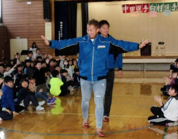 【朗報】中田翔「体重を減らしていいことなかった。オフは肉1日1キロ食べる。」