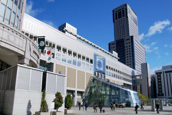 JR_Sapporo_Sta03n3200