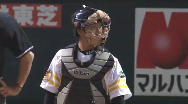 111 今年からソフトバンクに移籍した鶴岡選手、昨年は怪我の影響から盗塁阻止率ワ... 鶴岡慎也