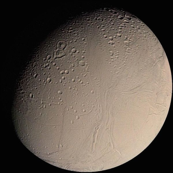 640px-Enceladus_from_Voyager
