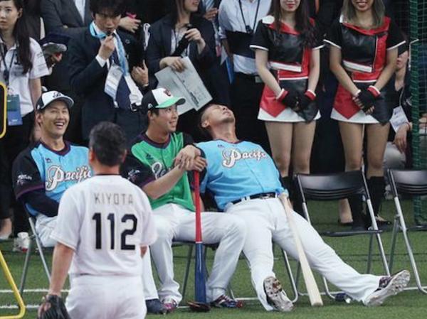 【悲報】中田翔さん、踏んだり蹴ったり