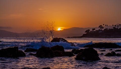 beach-1440272_640