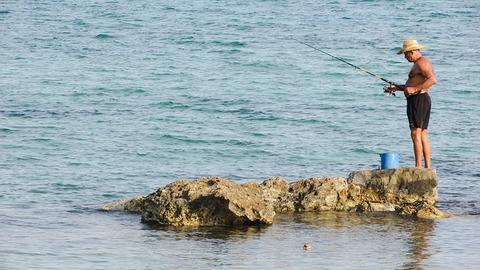 fisherman-1724710_640