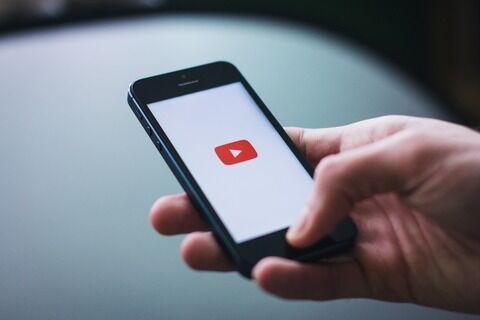 総務省「特定の動画サイトなどを無制限で視聴できるゼロレーティングサービスで通信量の多い利用者は制限する」
