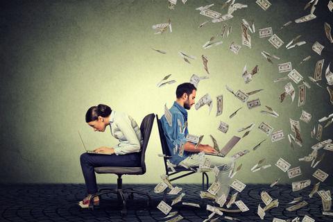 仕事年収 - どうして公務員の仕事って民間の倍くらい大変なのに給料は民間の平均しか貰えないの?
