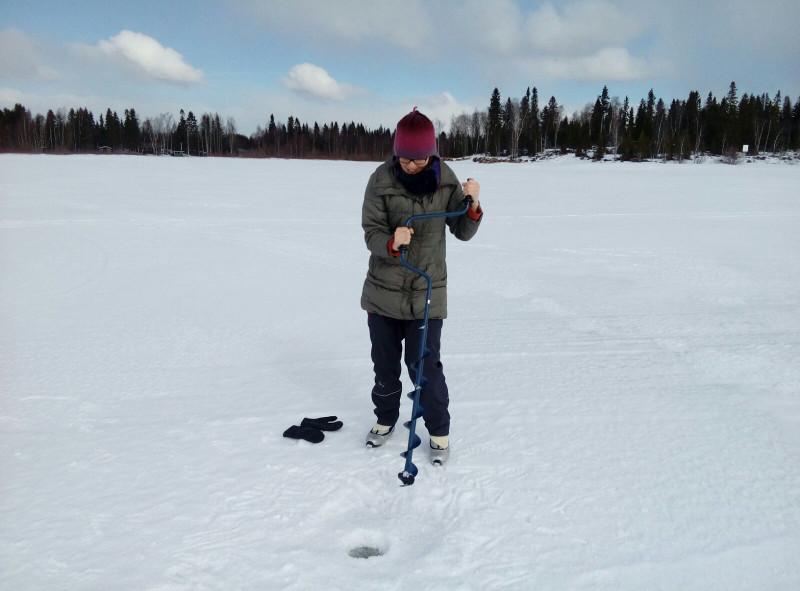 ice_fishing_3_800px