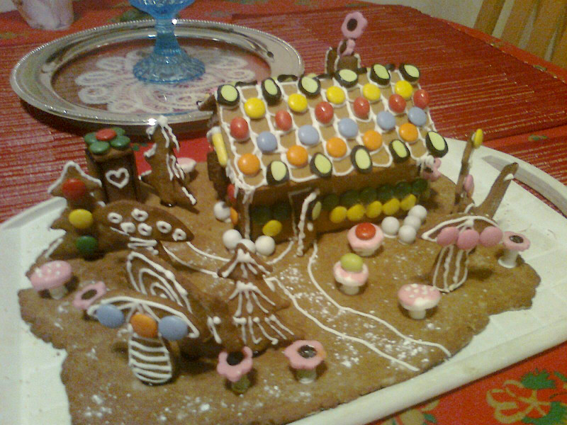 gingerbreadhouse_800px