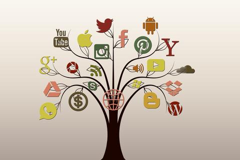 social-media-1377251_1920