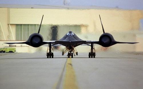 出撃する戦闘機