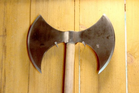 double-headed-axe