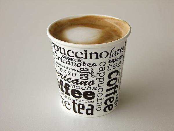 【超悲報】パチンコアイドルマスター、上皿にコーヒーを流し込まれる…