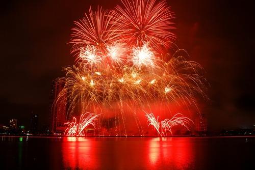 fireworks-1496128_960_720