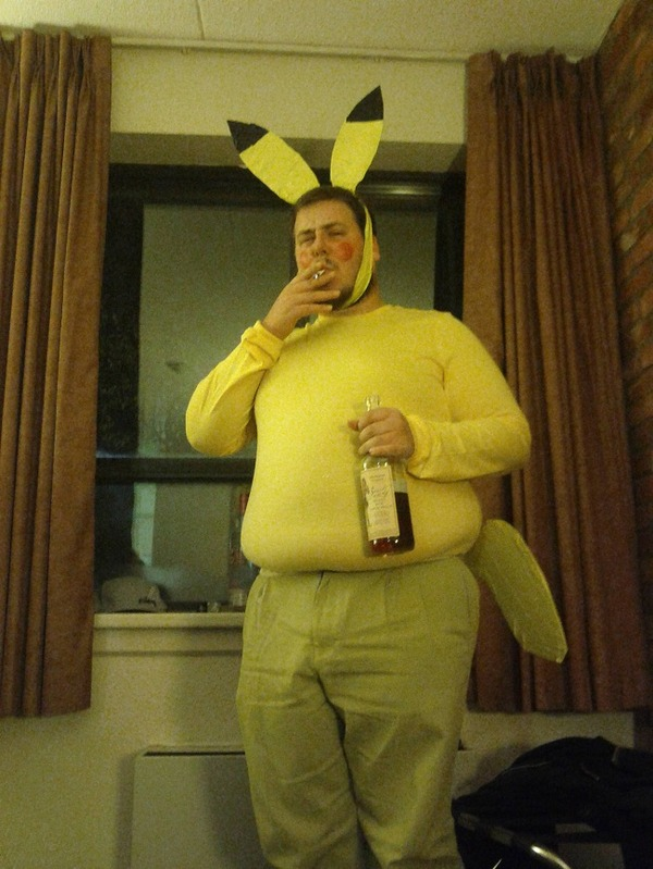 cosplay-pikachu-pokemon-drunk